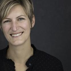 Dr Alexandra  Winkels