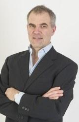 Dr Andrew  Baldwin