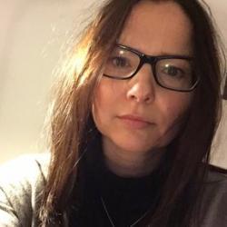 Dr Karolina  Follis