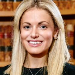 Dr Sophie  Henderson